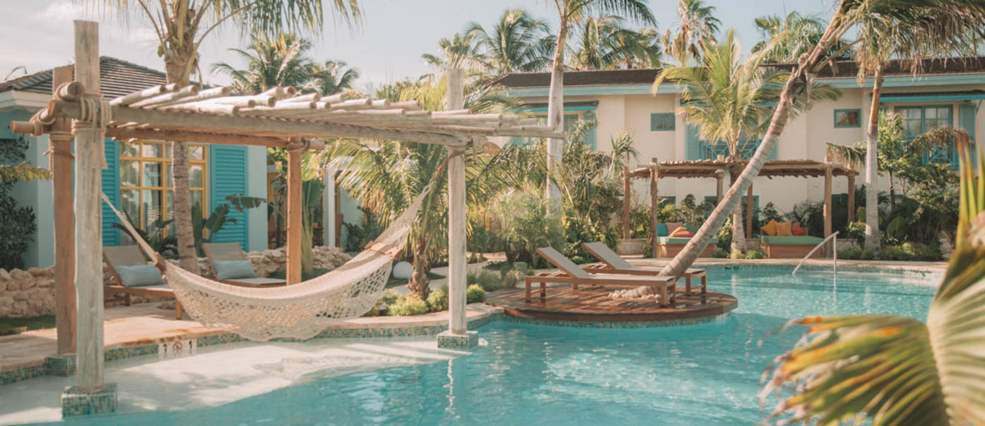 Overview pool with hammock